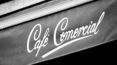 Café Comercial closes, uproar in Madrid