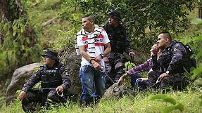 Colombia avvia scavi alla ricerca di fosse comuni con la collaborazione di membri della Guerriglia