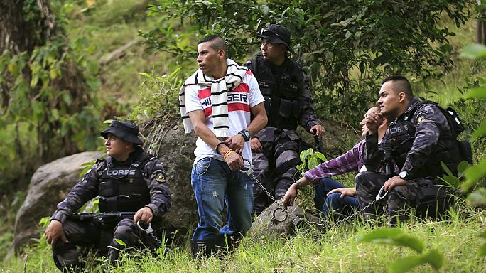 Tömegsírt tártak fel Kolumbiában