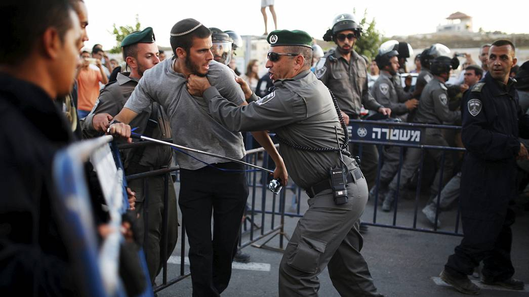 İsrail polisi Yahudi yerleşimcilerle çatıştı