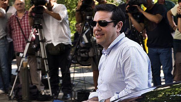 تسيبراس يلمح إلى اجراء انتخابات مبكرة في حال عدم استعادة الغالبية البرلمانية