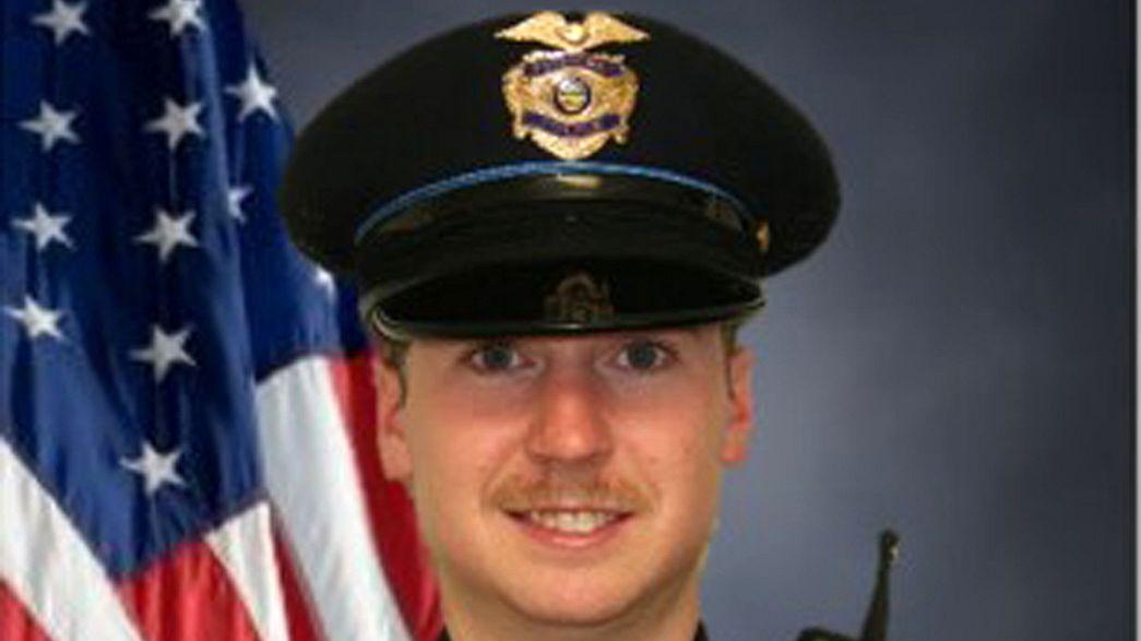 Otro policía blanco, acusado del asesinato de un hombre negro en EE.UU.
