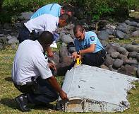 MH370: wreckage found on island 'almost certainly' from Boeing 777