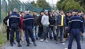 """Migrants: UK is not a """"safe haven"""" says Cameron"""