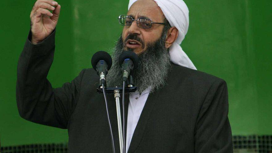 اعتراض مولوی عبدالحمید به تخریب نمازخانه اهل سنت تهران