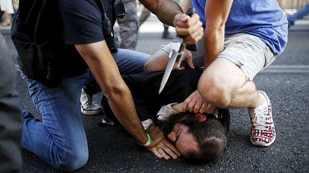 İsrail'de eşcinsellerin yürüyüşüne bıçaklı saldırı