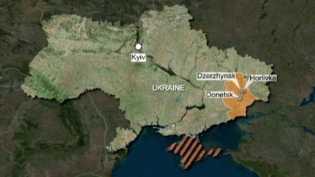 Cuatro civiles y un soldado muertos en ataques en el este de Ucrania