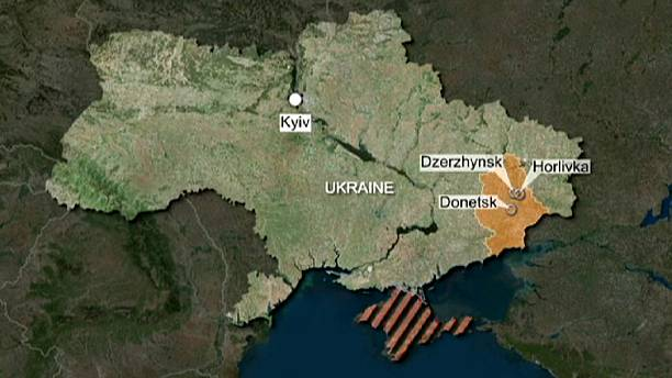 أوكرانيا: مقتل شخصين و إصابة ستة آخرين في تبادل لاطلاق النار بين الجيش النظامي و المتمردين في هورليفكا