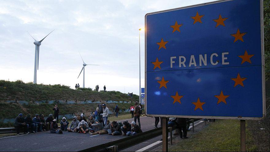 El refuerzo policial no desanima a los inmigrantes cruzar el canal de la Mancha