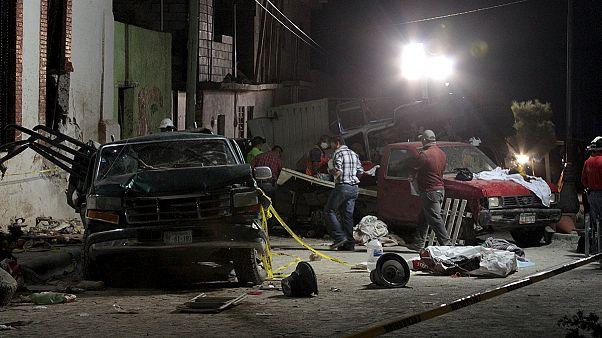 México: 26 mortos em acidente durante procissão