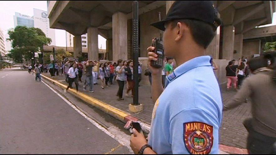 Massive earthquake drill in Philippines