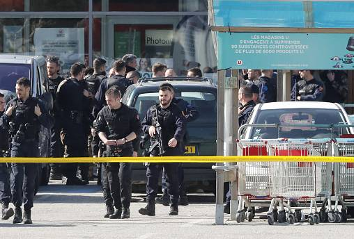 Image: Gunman takes hostages in Trebes supermarket