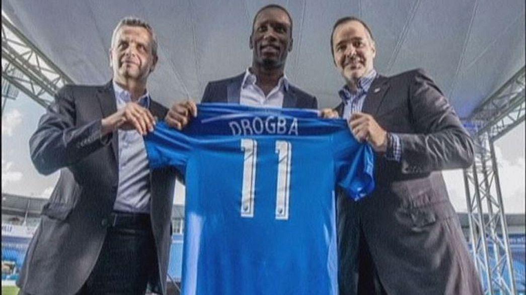"""Drogba continua de azul no Canadá e com o """"11"""" nas costas"""