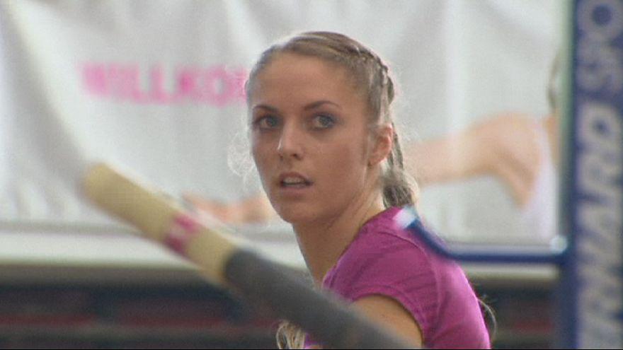 Melhor austríaca do salto à vara fica paraplégica num treino