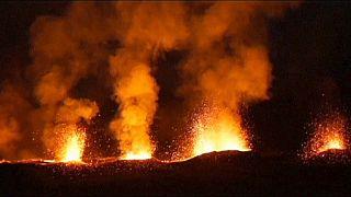 Vulcão da Ilha da Reunião em erupção