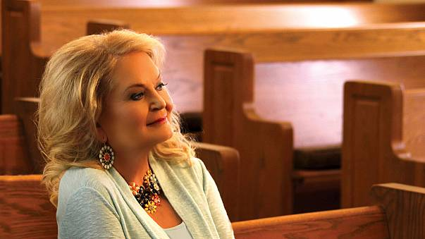 Country legend Lynn Anderson dies aged 67