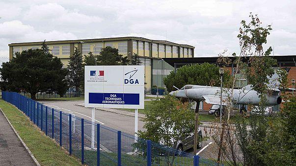 وصول قطعة حطام الطائرة التي عٌثرعليها في لارينيون إلى باريس