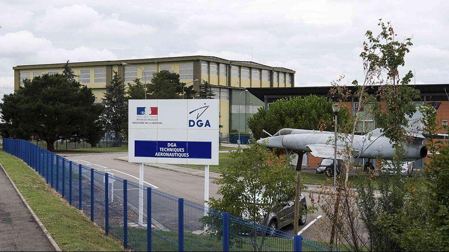 Kayıp Malezya uçağına ait olduğu sanılan parça inceleme için Fransa'da