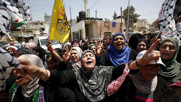 Eltemették a tüntetőt, aki belehalt sérülésébe Ciszjordániában