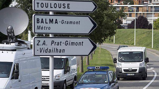 Kayıp uçağa ait enkaz Toulouse'a getirildi
