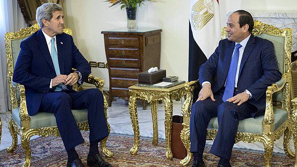 John Kerry al Cairo. Obiettivo: rinsaldare alleanza con l'Egitto nella lotta al terrorismo