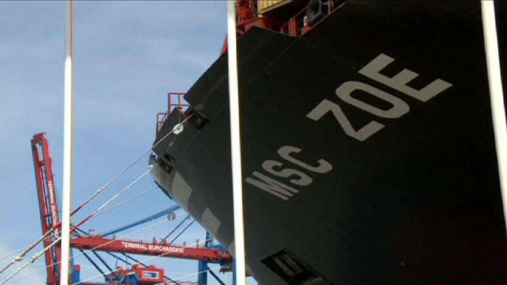 """Hamburg """"baptises"""" world's largest container ship"""