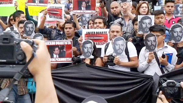 Meksikalılar gazeteci cinayetlerini protesto etti