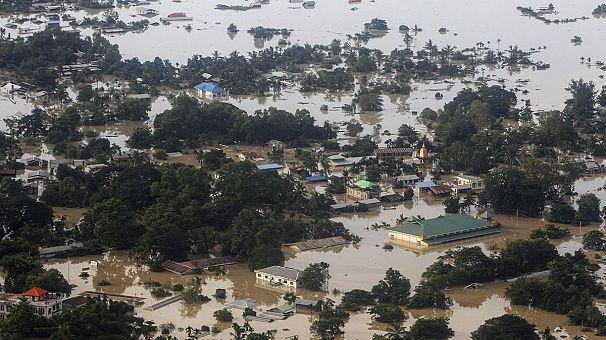 От наводнения в Мьянме погибли десятки человек