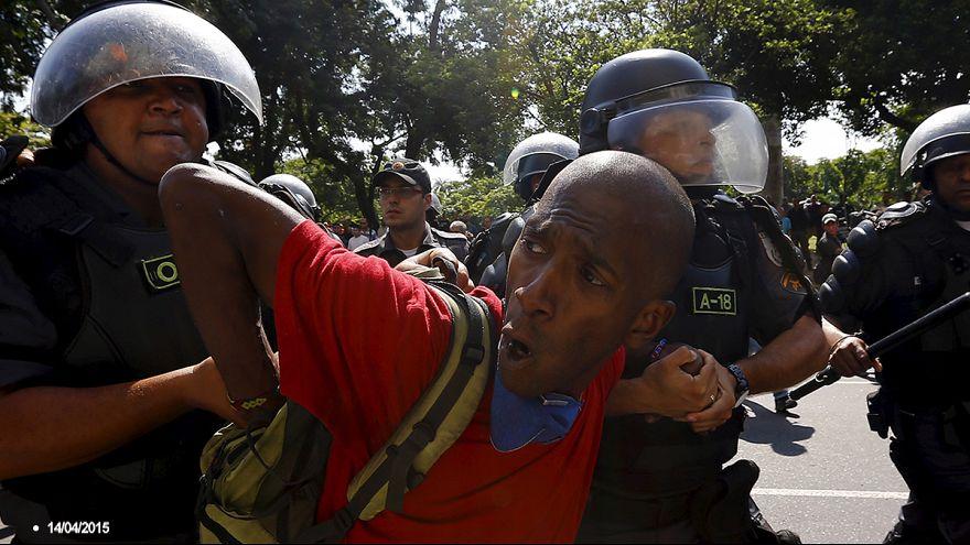 Полиция Бразилии стреляет на поражение