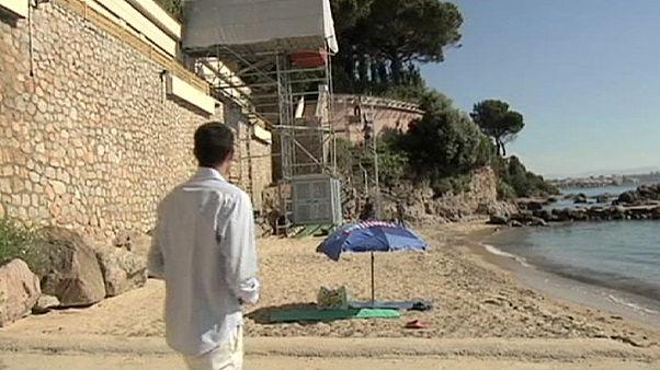 بعد اسبوع فقط العاهل السعودي يقطع عطلته جنوب فرنسا ويستكملها في طنجة