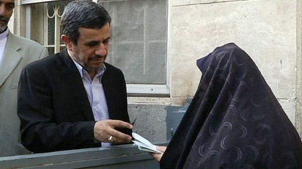 Ιράν: Ο Αχμαντινετζάντ προετοιμάζει την «μεγάλη επιστροφή»