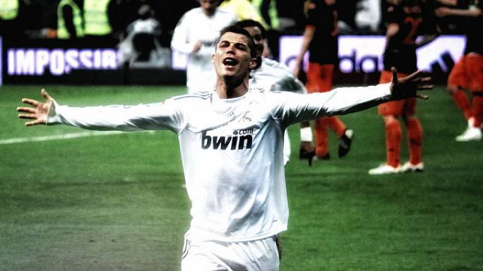 Cristiano Ronaldo menejerine 'ada' hediye etti
