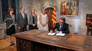 Regierungschef von Katalonien ruft Neuwahlen aus