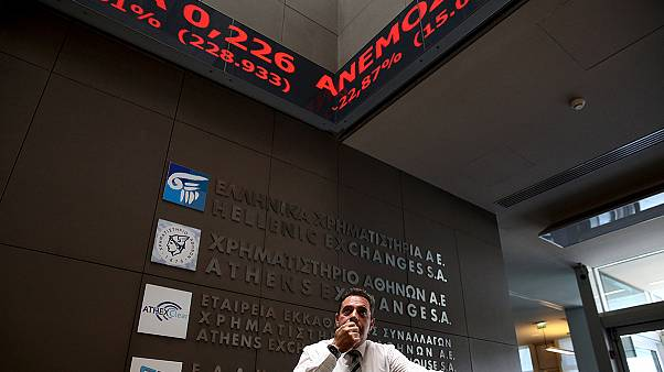ادامه سقوط ارزش سهام بورس آتن در دومین روز پس از بازگشایی