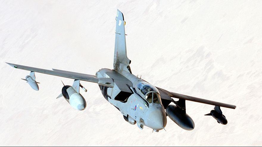 """بريطانيا تمدد حملتها الجوية ضد """"الدولة الاسلامية"""" في العراق إلى 2017"""