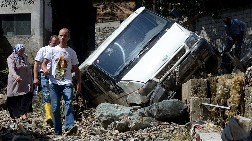 Áradás, földcsuszamlás Macedóniában
