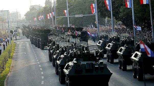 Kroaten feiern mit Militärparade Sieg über Serben vor 20 Jahren