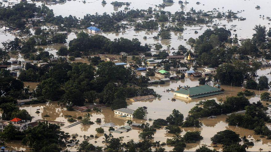 Milhares de desalojados em inundações na Birmânia e na Índia
