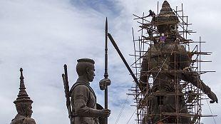 Giant statue set to honour former Thai king