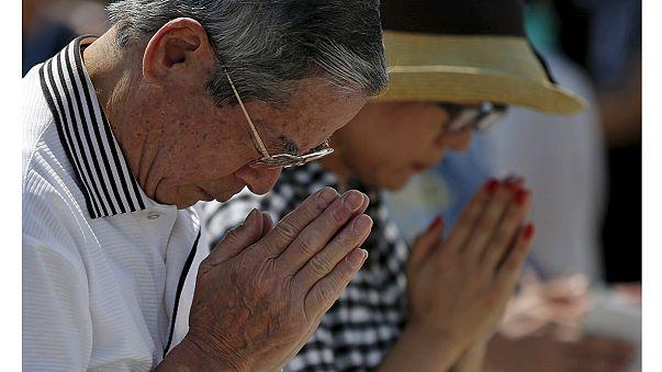 Japonya atom bombası kurbanlarını anıyor