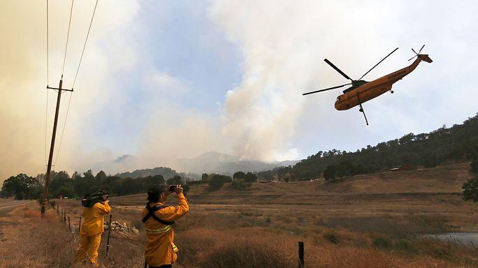 تواصل الحرائق في غرب الولايات المتحدة الأمريكية