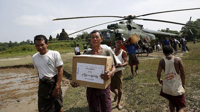 Negyedmillió földönfutó Mianmarban