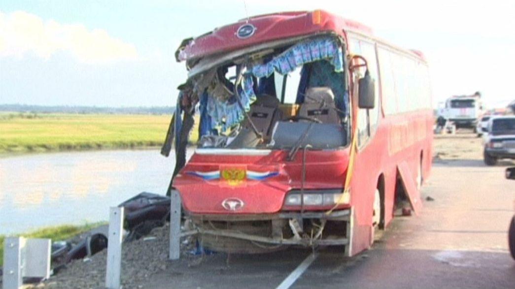 Russia: si scontrano due autobus. Sedici le vittime