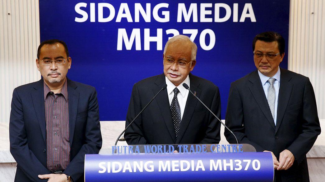 """Reunion'da bulunan uçak parçası #MH370 yolcu uçağına ait"""