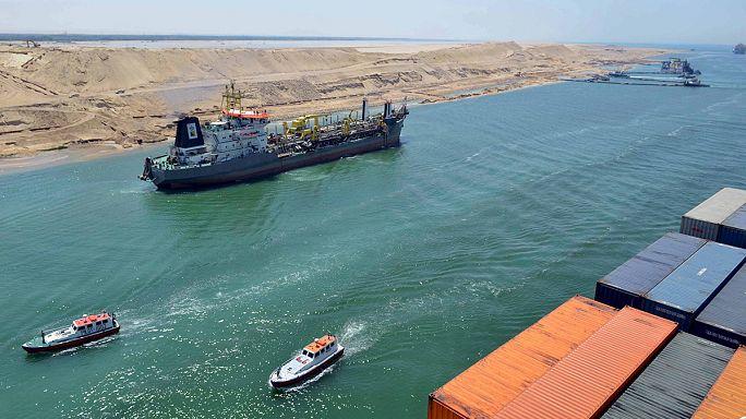مصر تدشن ممرا مائيا جديدا لقناة السويس