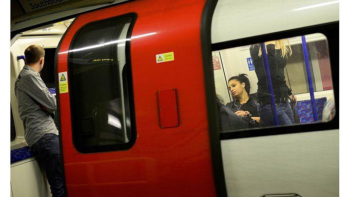 سائقو مترو أنفاق لندن يشنون إضرابا