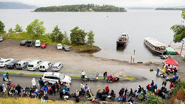 عودة المئات من أعضاء اتحاد شبيبة حزب العمال النرويجي للتخييم في اوتويا