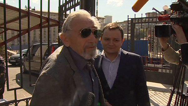 Polis Mikhail Khodorkovsky'nin babasını sorguladı