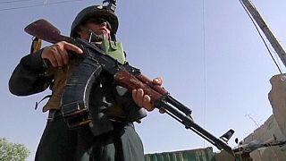 دهها کشته و زخمی بر اثر حملات طالبان علیه نیروهای امنیتی در افغانستان