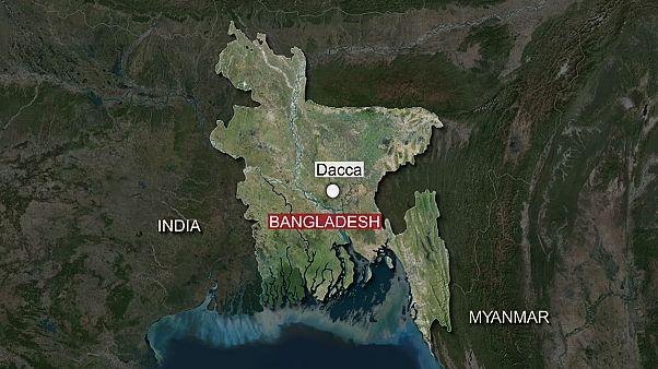 Bangladeshi blogger 'murdered by machete-wielding attackers'